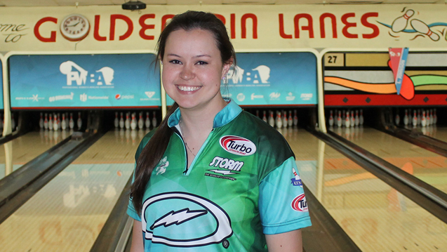 Simpson takes opening-round lead at PWBA Tucson Open